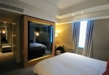 King Deluxe Room at Conrad London St. James