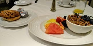 Continental Breakfast at the Hilton Checkers Downtown Restaurant